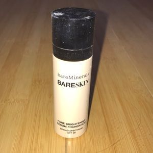 Bare Minerals Foundation in Bare Linen